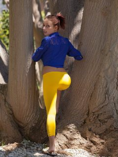 Hot Victoria Lynn teasing in her yellow leggings